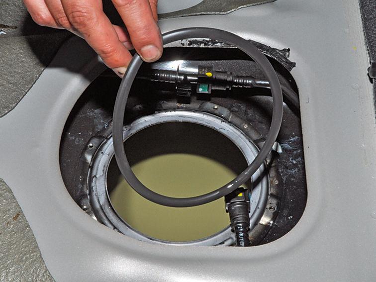 Как часто менять топливный фильтр на Киа Рио