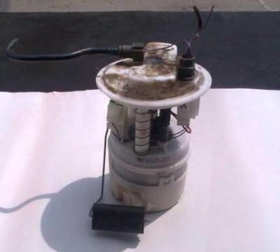 Как менять воздушный фильтр на Рено Логан 1