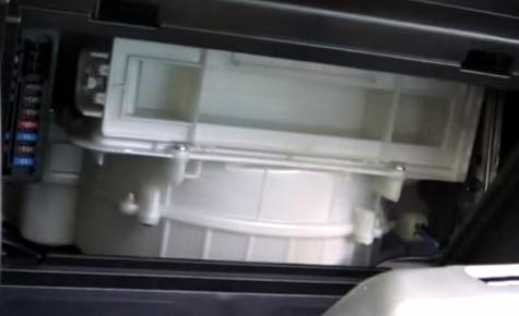 Как поменять фильтр салона Мазда 3 2007 года
