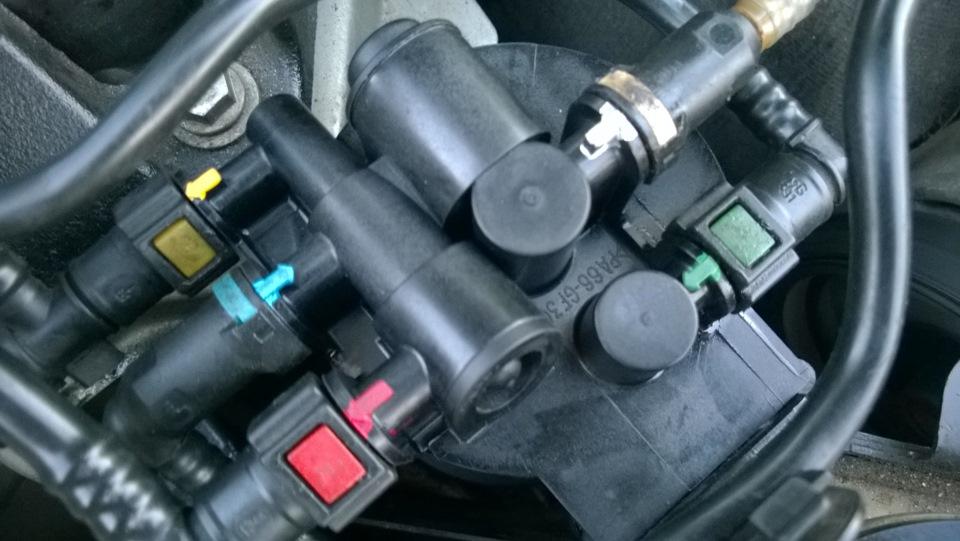 Как поменять фильтр топливный в Рено Лагуна 2