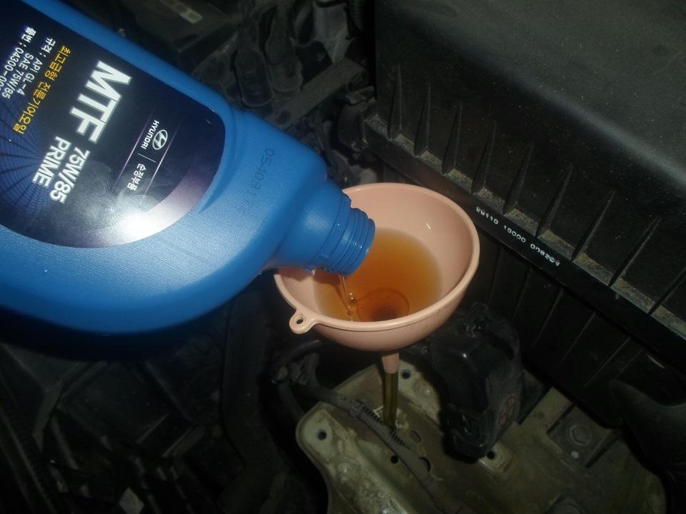 Как поменять масло в механической коробке передач Киа Рио 1.4 2012 года