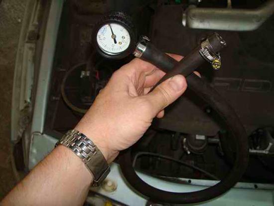 Как проверить давление в топливной системе на БМВ