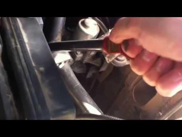 Как проверить уровень масла в БМВ по щупу