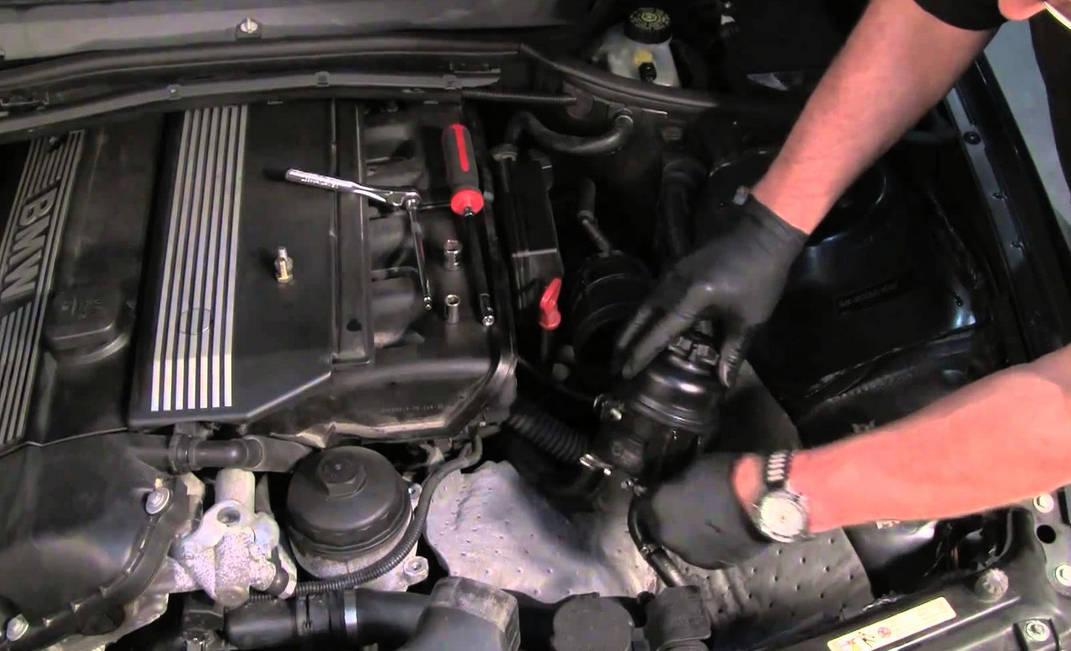 Как проверить уровень масла в коробке автомат БМВ 525