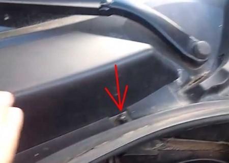 Как снять воздушный фильтр на Рено Сценик 2