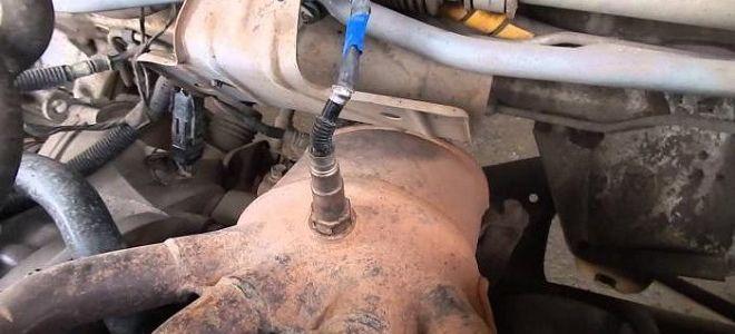 Как заменить лампочку ходовых огней на Лада Гранта 16 клапанный
