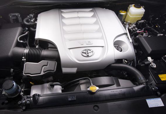Какое залить масло в двигатель Тойота Ленд Крузер 200 дизель