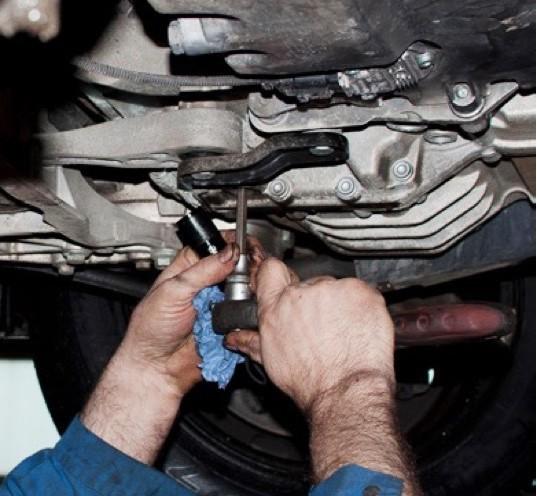 Когда менять масло в механической коробке Пежо 308