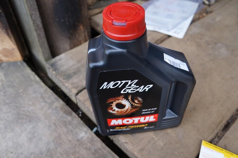 Когда меняют масло в механической коробке передач Пежо 408