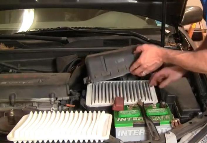 Нужно ли менять топливный фильтр на Камри 40