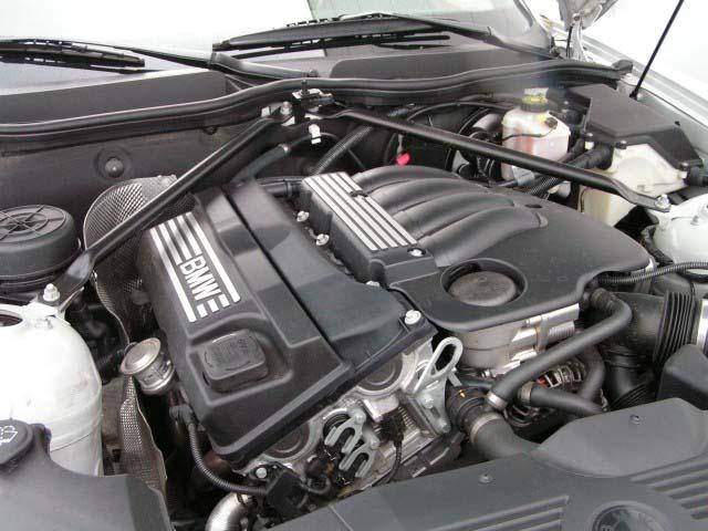 Объем масла в двигателе БМВ Х3 2.0 бензин