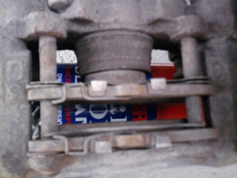 Рено Логан 2 замена передних тормозных колодок видео