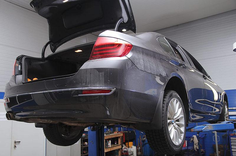 Сколько нужно тормозной жидкости для замены на BMW f10