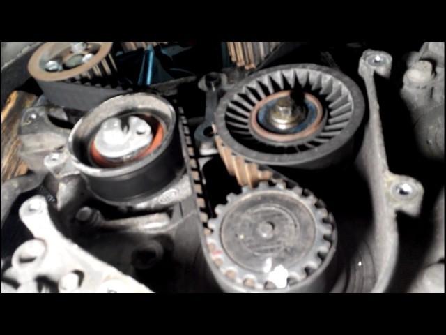 Установка ремня генератора ГУР кондиционера на Рено Логан