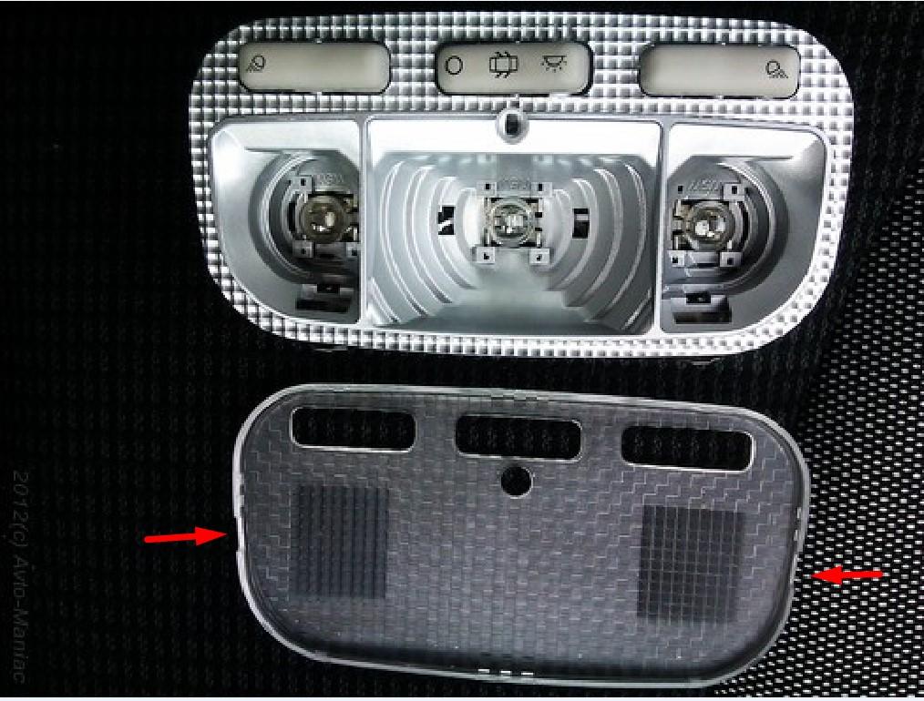 Замена лампочки освещения номерного знака на Пежо 308