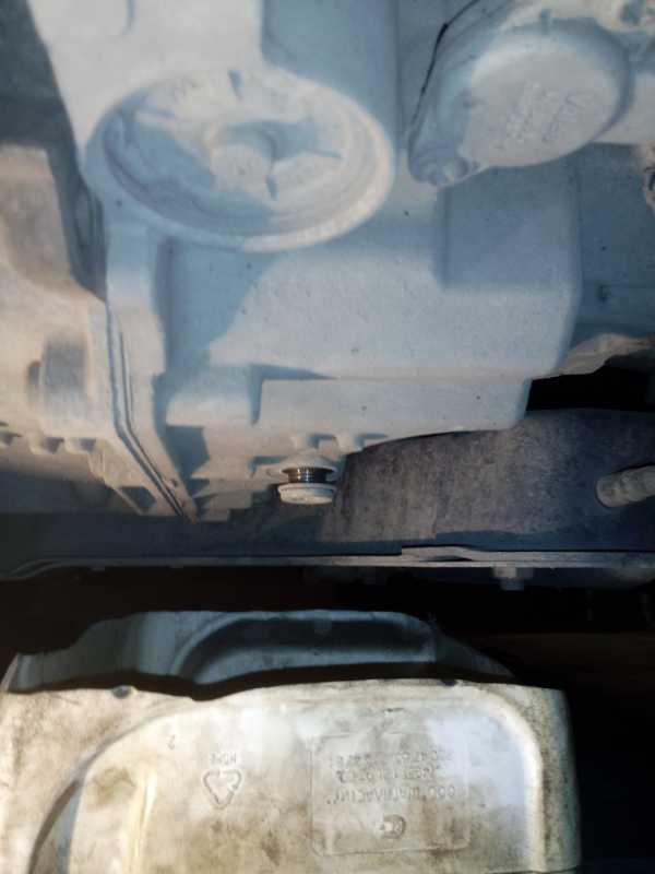 Замена масла в коробке передач на Пежо 408