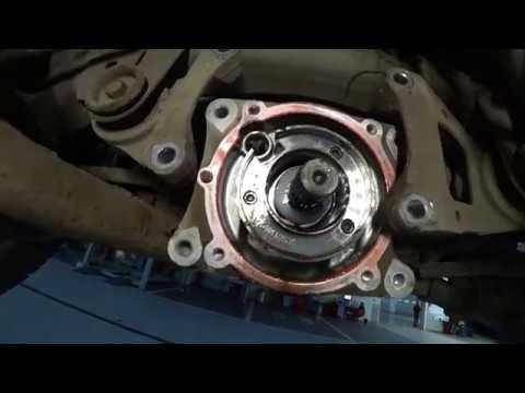 Замена масла в редукторе Тойота РАВ 4 видео