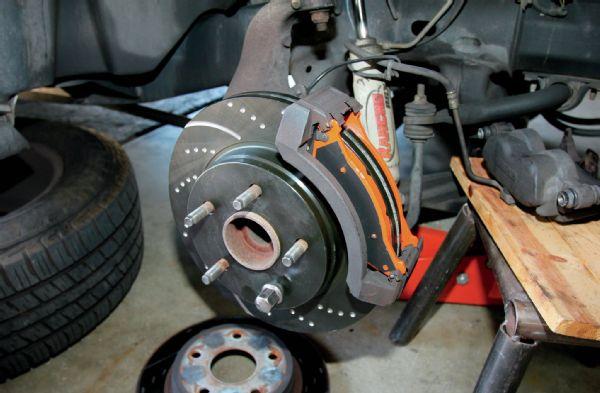 Замена передней ступицы на Тойота Ленд Крузер 120