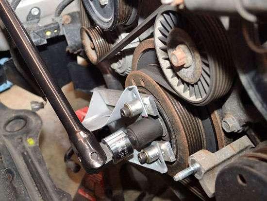 Замена ремня генератора на Пежо 406 1.8 16v видео